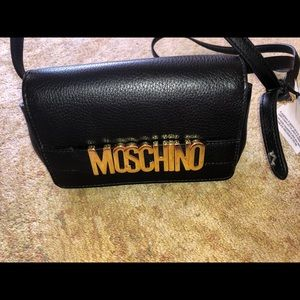 🖤🎉 MOSCHINO Small Leather Crossbody Bag 🎉🖤